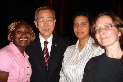 2009 Advocates Evalyne Achan of Uganda, Akinyi Ocholla of Kenya, and ISHR Director of Capacity Building Stephanie V. Grepo meet UN Secretary-General Ban Ki-moon.
